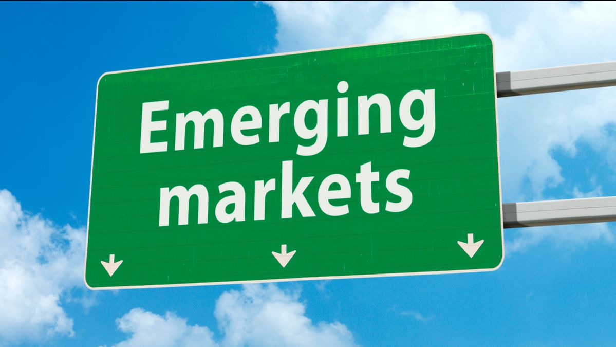 Financial markets in #EmergingMarkets have grown bigger, broader and more liquid, but are still vulnerable to feedback loops between capital flows, exchange rates and asset prices @G20org #G20 https://t.co/YrWdAiO2hy https://t.co/lzuMeOBbHi