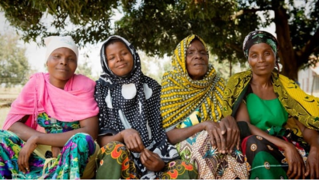 #Women and people with disabilities missing out on critical eye care. Via @devex  👉 https://t.co/Nta0Aj9YMt 📷 Eliza Deacon / @Sightsavers #UHC #HealthForAll #GlobalHealth https://t.co/IgZ7eifk7X