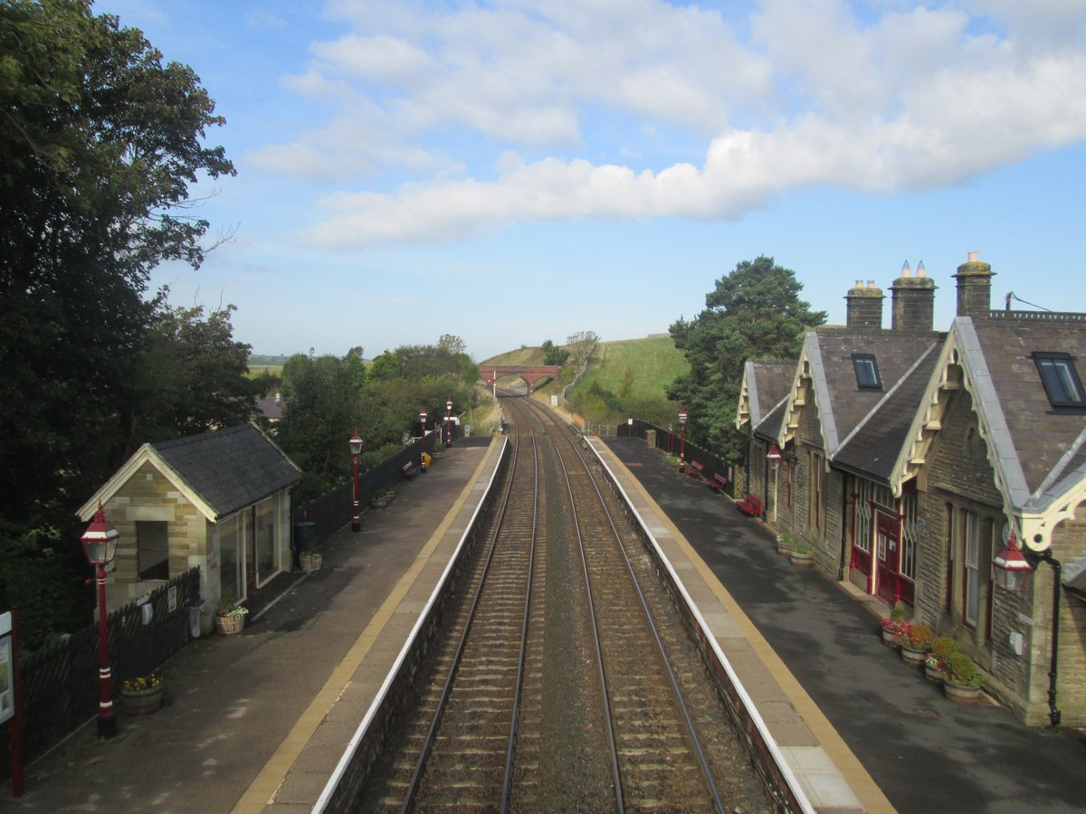🚉 As we continue to travel safely we're presenting some  #BeautifulStations for #FutureInspiration  📷 Today's photo is #KirkbyStephen. First opened in 1876, the station is more than 2 km from the town (and over 46 m above it!)  #NorthernStations https://t.co/YsbfziaKMn