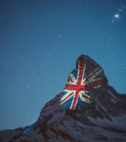 Federal Councillor and @SwissMFA Minister @IgnazioCassis has written to @DominicRaab to extend #Switzerland's thanks to the #UK for their co-operation in repatriating Swiss & British citizens, with a photograph of the #Matterhorn illuminated with the Union Flag by way of thanks. https://t.co/aXJ73DAtYJ