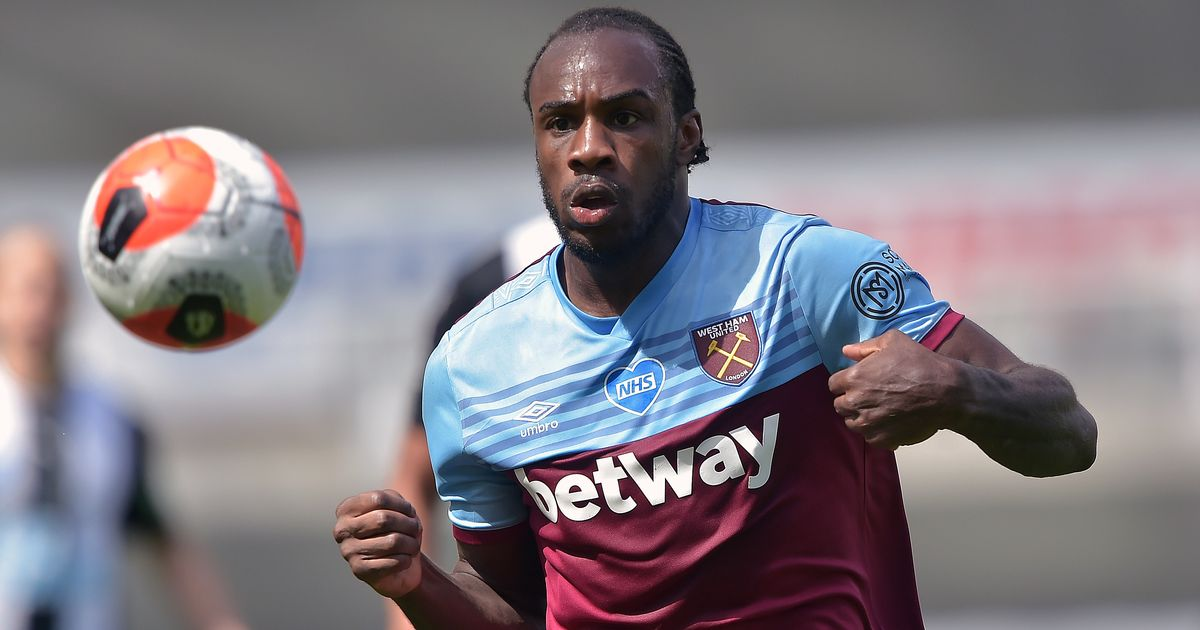 Michail Antonio is keen to finish his career at West Ham after entering the final year of his contract at the London Stadium. The striker is determined to sign a new deal and see out the rest of his career at the club. (via @TheAthleticUK)