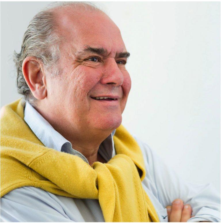 El Premio de Honor a la Trayectoria Profesional ha recaído  sobre Javier Muñoz Brandon, aclamado como uno de los diseñadores de interiores con mayor prestigio en nuestro país, y considerado «El Mago de las Mezclas» #CasaDecor2020 #CasaDecorSostenible #PremiosCasaDecor https://t.co/N1vKrv2G8A