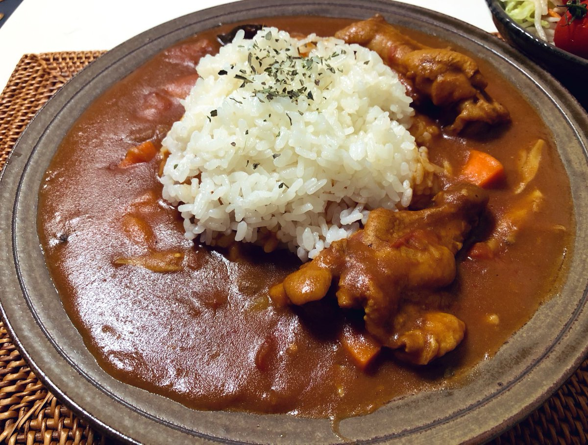 "Today's Curry Which is butter-chicken curry like one. And you know why I put ""Today's"" ahead?  Well, in a word, I've cooked a way too much Curry 10 times as much as this amount is still left. This week would be filled with curry! #cookingathome  #twinglish  #おうちごはん pic.twitter.com/mjrnOJaRw7"