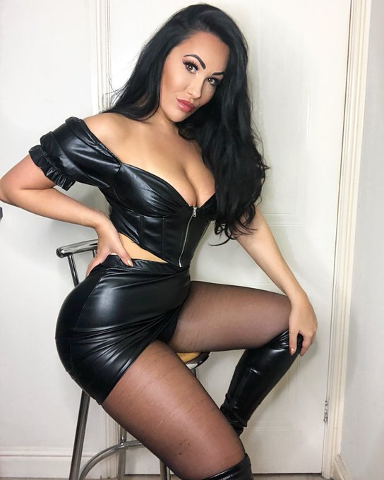 Filming customs this weekend i have just one slot remaining for customs so Dm or email asap before its