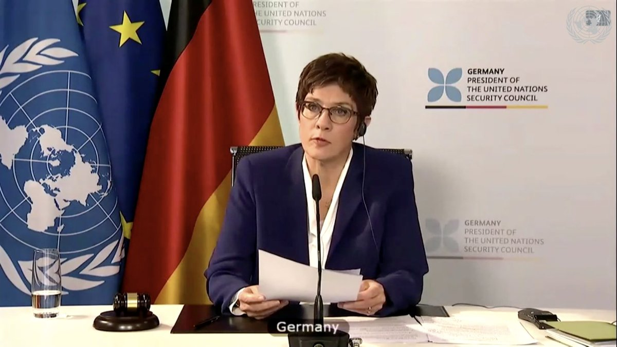 🇩🇪 Defense Minister Kramp-Karrenbauer is presiding over today's important debate on @UN Peace Operations and #HumanRights.   Human rights are an essential part of the equation for conflict prevention and peacebuilding!  @akk @BMVg_Bundeswehr https://t.co/uxM91fnWUC