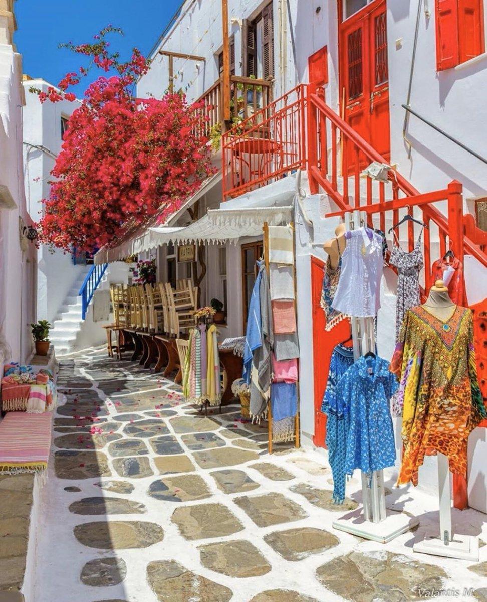 اليونان ، ميكونوس 🇬🇷🌺 https://t.co/Ev2hXTyOX9