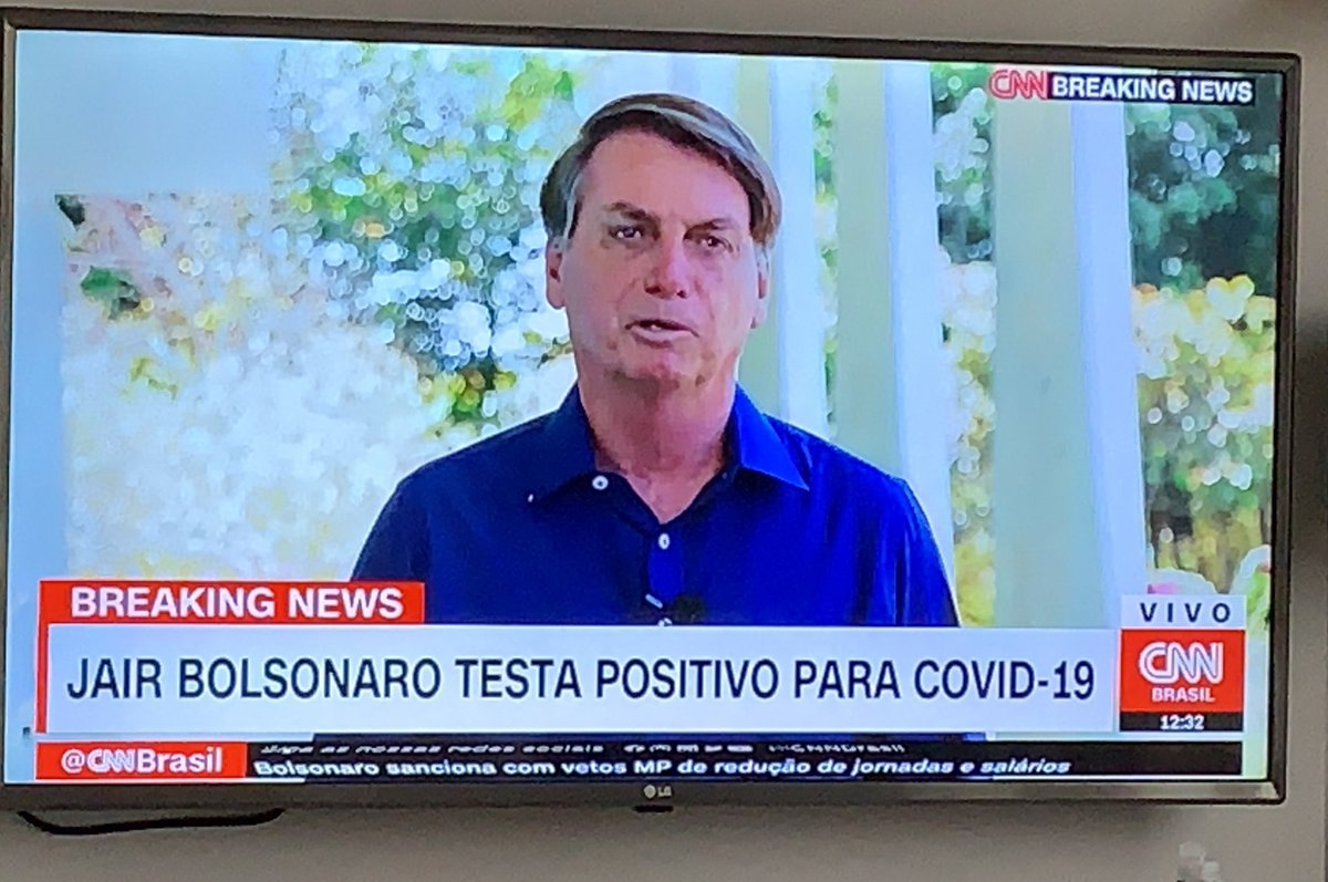 Bolsonaro testou positivo para o coronavírus.  E, ao final da entrevista, tirou a máscara. https://t.co/IqG9AyBjmi