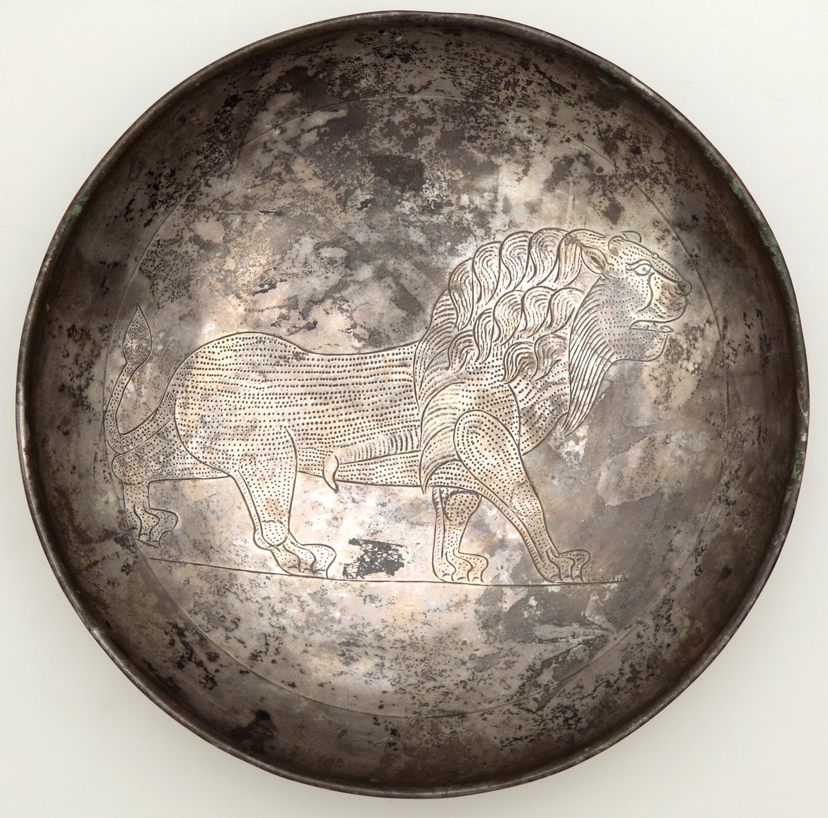 A #Sasanian silver footed dish in the Khalili collection patreon.com/eranudturan