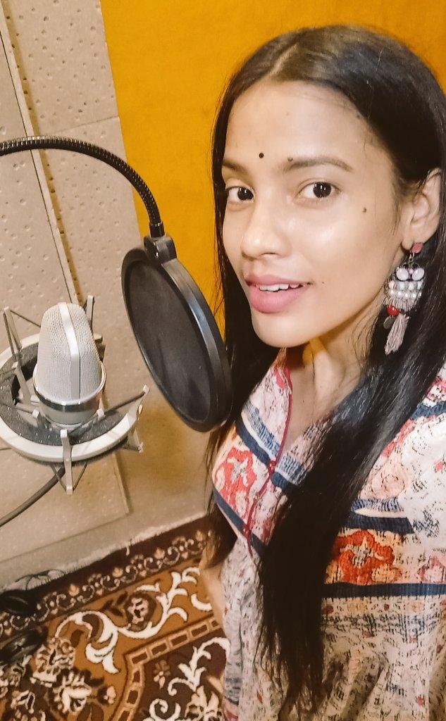 Recording time...New Song Coming Soon on:- #alkasinghpahadiyaofficial  #kajri #music #recording #alkasinghpahadiya #ComingSoon https://t.co/SbnRRK9xyU