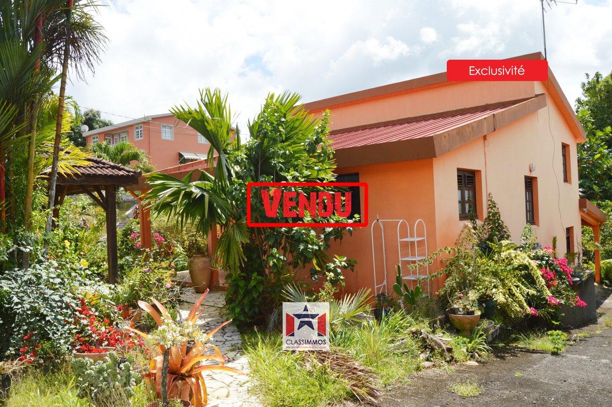 [Vendu par nos soins] Villa de 154 m² à Ducos, vendue par un de nos conseillers. Et vous vous demandez encore qui contacter ?! 📞 05 96 72 67 75 ou 📧contact@classimmos.com . #classimmos #guadeloupe #martinique #realestate #achat #instaimmo #proprietaire #ilovemyjob https://t.co/OBX3KCpaRR