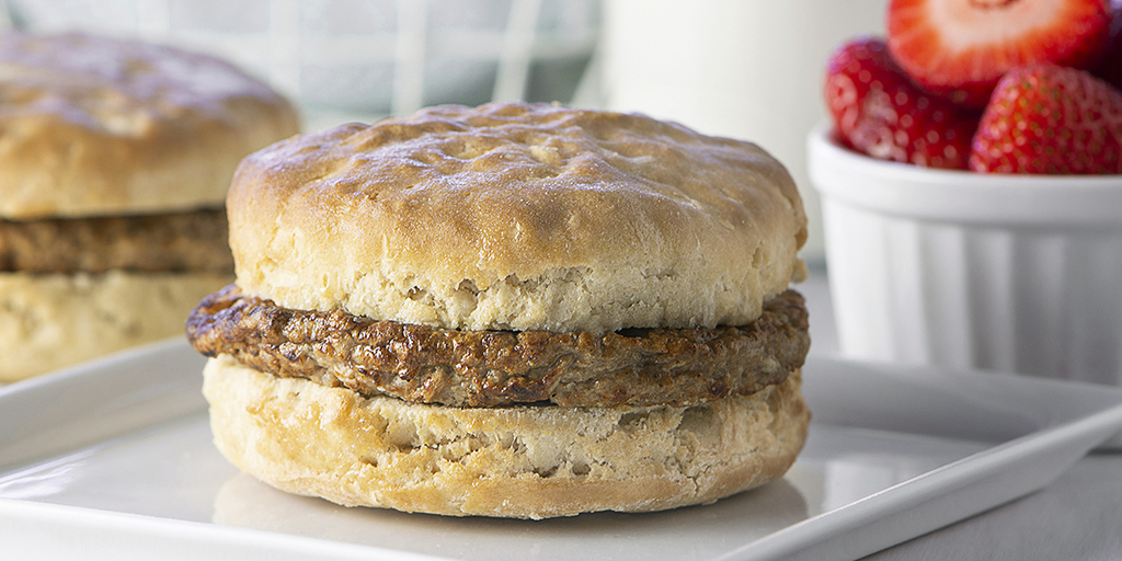 Hungry yet? Our chicken sausage patty on a whole grain biscuit is individually wrapped in an oven-safe package and extremely hard to resist. Just heat and serve for breakfast and you'll be good to go until lunch! #biscuit #chickensausage #k12 #kidmeals #biscuitsandwich #breakfast https://t.co/y3lDbsyZ6H