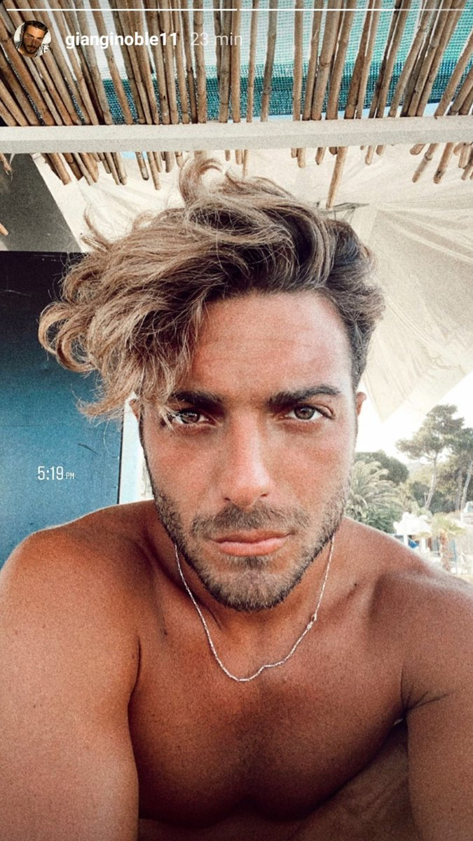 Sei molto bello Amore 👑😍❤💕 #gianginoble11 #gianlucaginoble #ggmessage #ilvolo #ilvolomusic #abruzzoprince  #rosetodegliabruzzi #abruzzi #italy  #InstagramStories https://t.co/dnwLSYfLy8