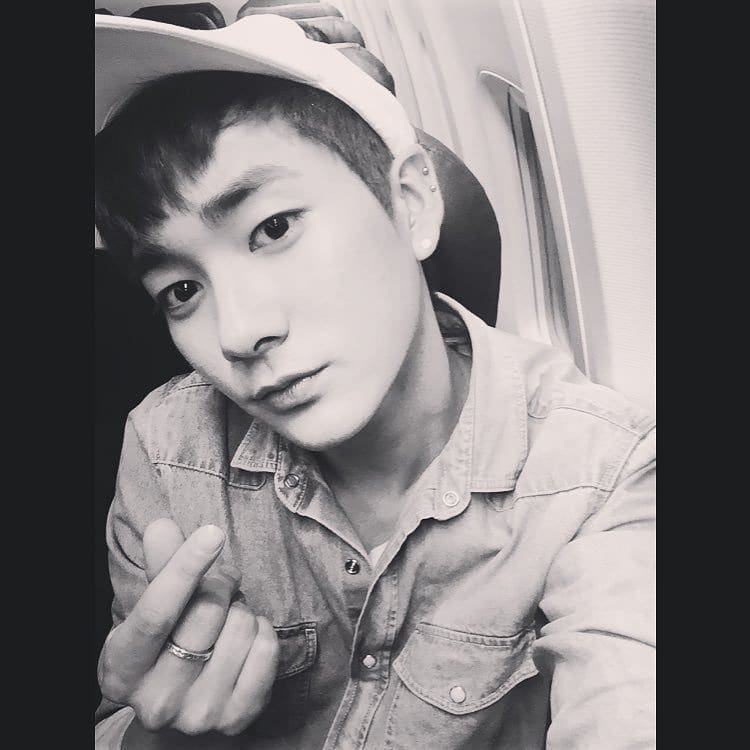 [160707] #아론 Instagram Update on a quick note, i missed y'all forreal ❤️ #뉴이스트 #nuest #아론 #aron  Me : *i miss you for real 🥺🥺* https://t.co/T8OKdwX5mB