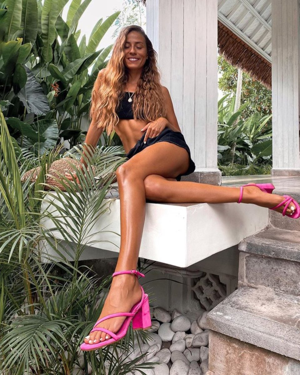 Vale Rein (@vale.rein) in SANTE Sandals #SS20 #SanteMadeinGreece 🇬🇷 Available in stores & online (SKU-20-191): https://t.co/veq6E5FjX5 https://t.co/maaXfj4xAa