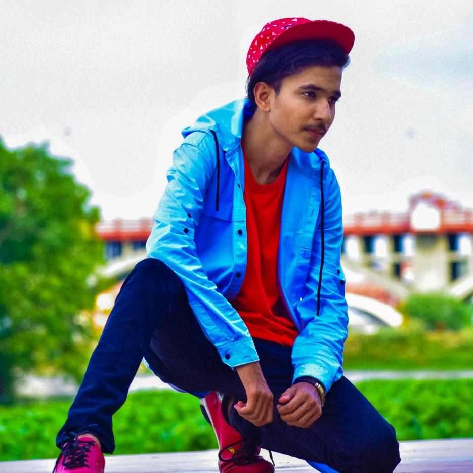 Rising Star Of Lucknow City #zua_vines #mohdzeeshansheikh1 #zeeshanizhar #lucknow #mr_sheikh #zua_vines #srk #b612star #upcomingstar #upcomingcelebrity #smartboyspics #handsome_boys_pics #upcominglucknowmodel #googlesensation #risingstar #zua_vines #zeeshanizharpic.twitter.com/PAwI7oL1J7
