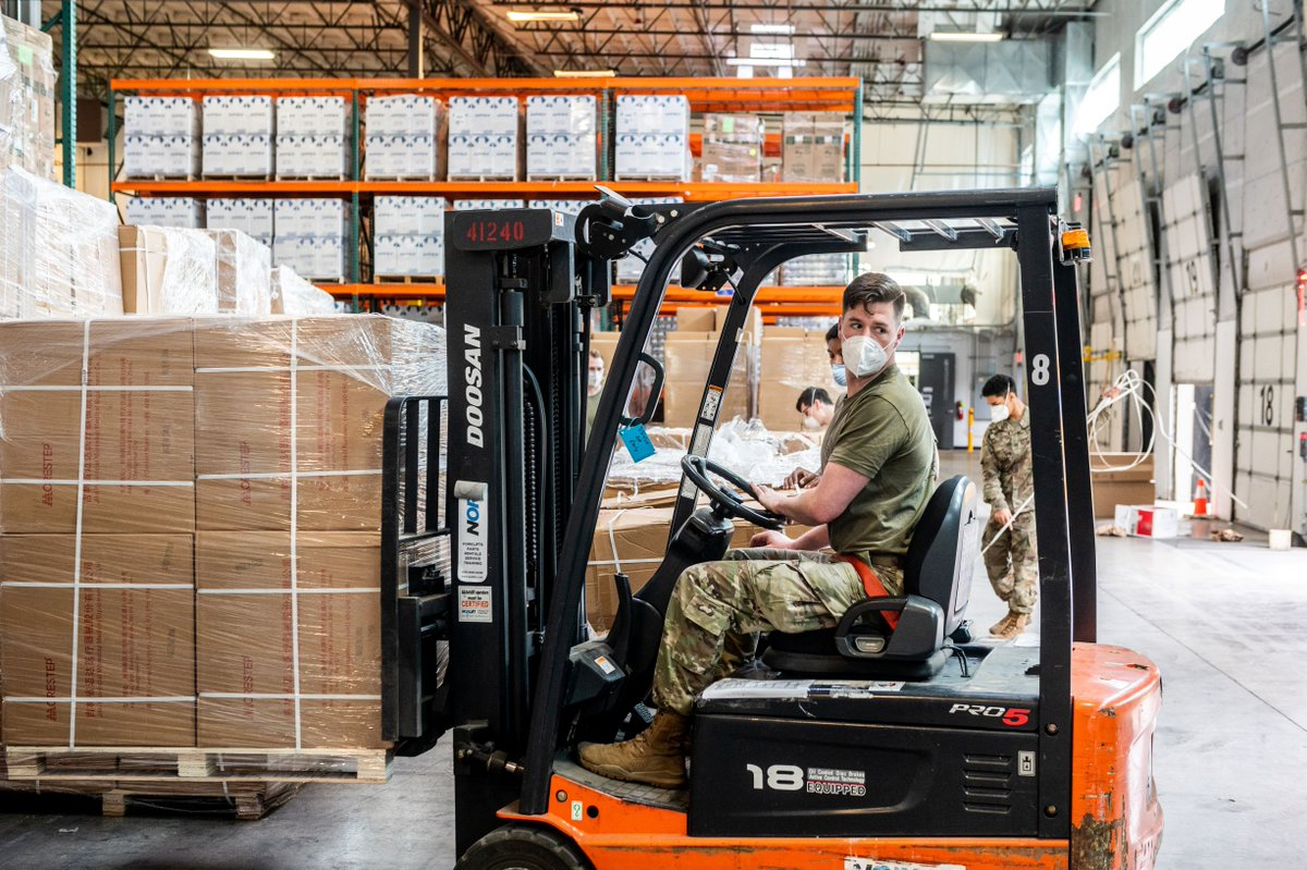 Since the @OregonGuard was activated in late March, they have helped distribute more than 46 million pieces of #PPE across the state in an ongoing effort to protect residents from #COVID19 ➡️ go.usa.gov/xwJMB #KnowYourMil