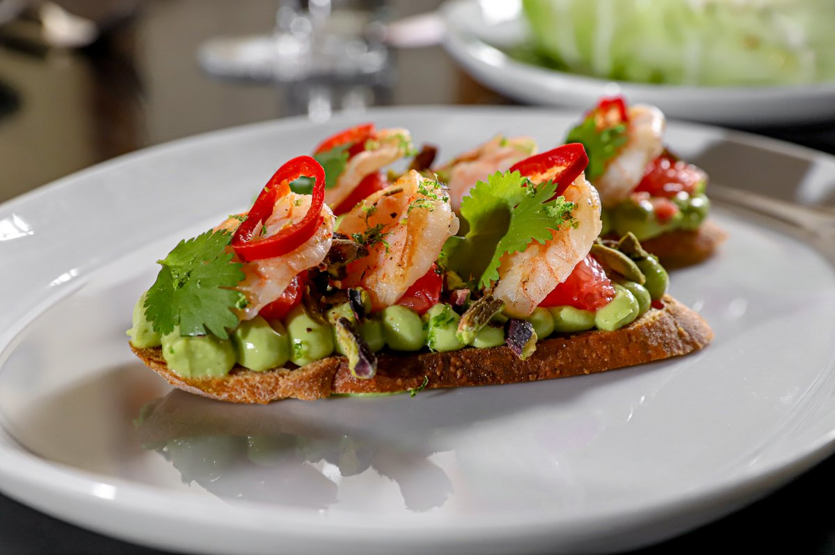 Crunch, heat, shrimp, creamy avocado, what more could you ask for in a dish?