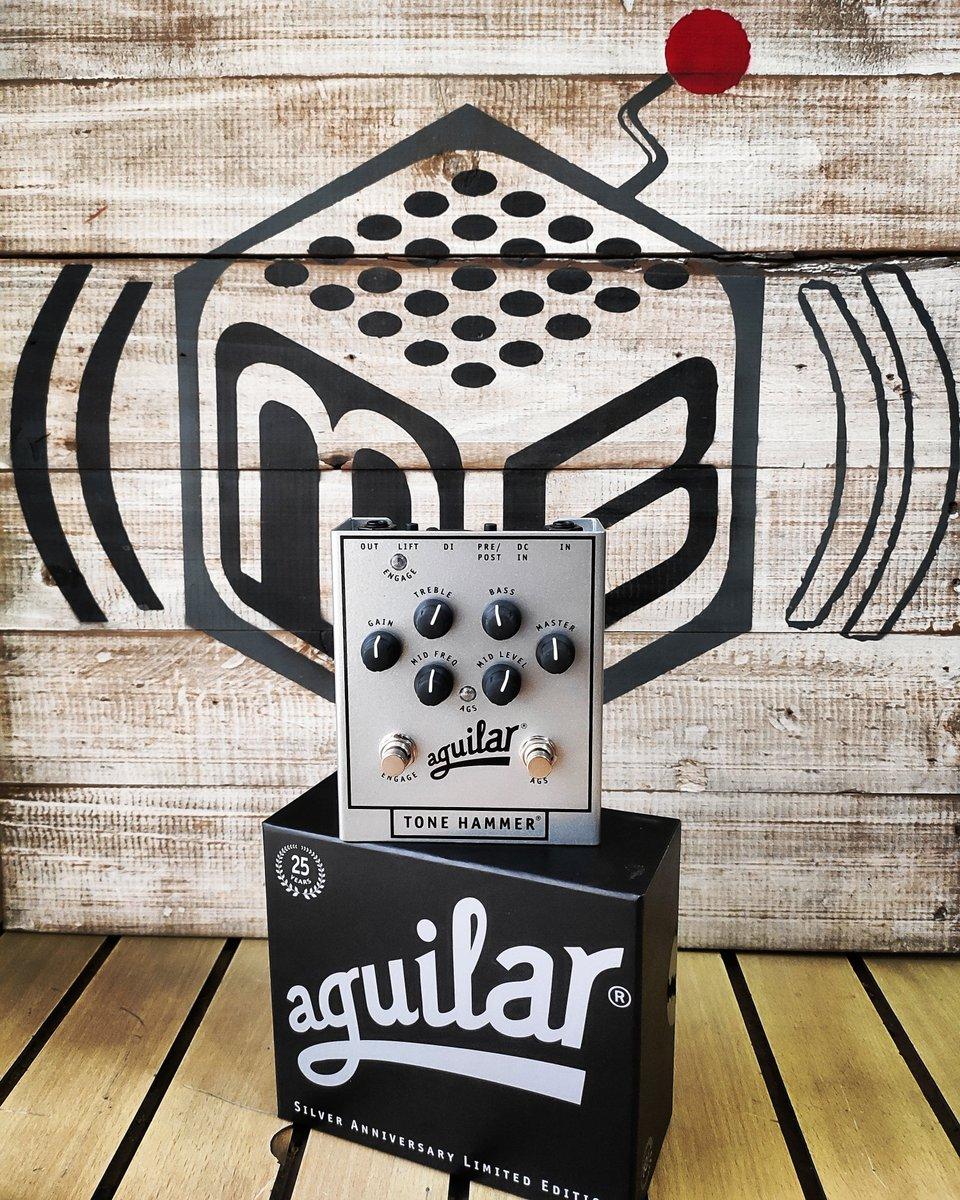 Tone hammer de Aguilar! Preamplificador para bajo eléctrico. Cómpralo ahora! http://musicbox.com.co Cr17 # 54-16 #MusicBoxColombia #electricguitar #folkguitar #guitar #guitaramp #guitardaily #guitareffects #guitarfx #guitargear #guitarist #guitarra #guitarras #aguilarpedalspic.twitter.com/VxMdTVFsOS