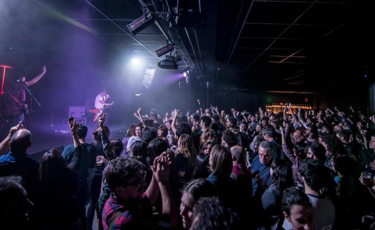 Nace Bonus Cultura, bono para incentivar el consumo cultural en Barcelona (conciertos, cine…) https://t.co/jszqMzy3Oy https://t.co/YvLEGga57q