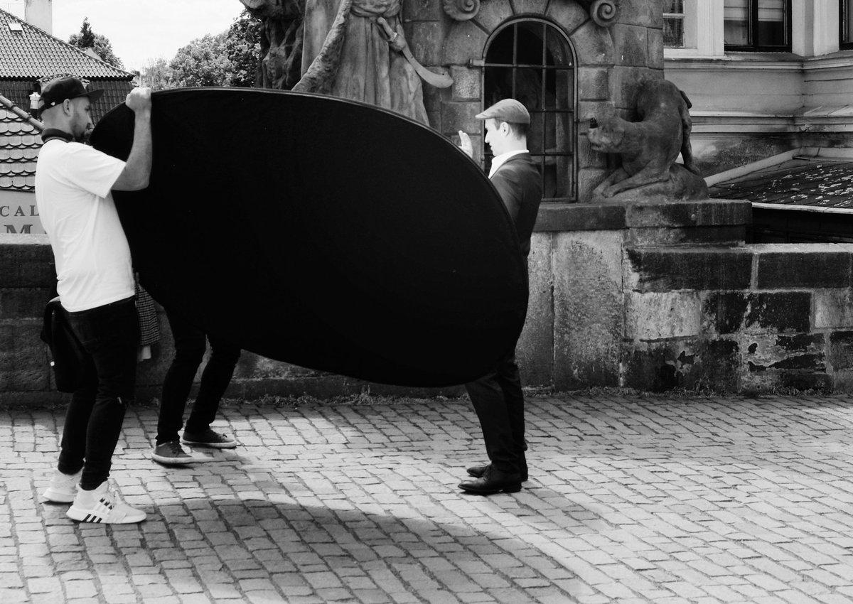 Osvícený... Praha 🇨🇿 2020 #vitas69 #vitashenclcom #fuji #xe1 #fujieurope #fujiczech #streetphotography #streetshot #streetphoto #street #streetlife #Prague #Praha #citylife #czechphoto #photooftheday #bnwphoto #bnwfuji #bnw #czechstreetphoto #praguecity #people https://t.co/O9dk2o9Shc