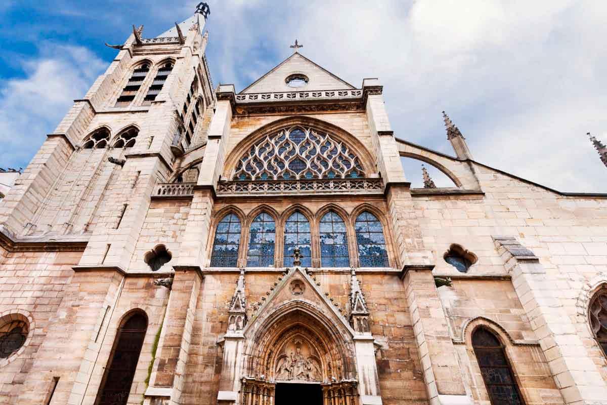 La #iglesia original tuvo que ser reconstruida hacia 1495 y tiene varias particularidades que la hacen muy especial. #ricardo #saint #severin #SaintSeverin #Paris #iglesia #turismo #Francia #historia #Catedral #Arquitectura https://t.co/rLHIppfqIg