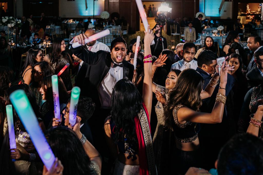 Tip Tuesday: Use props during the dance floor time.  #djrizent #DREamTeam #weddingdj #wedding #indianwedding #indianweddingdj #dallasweddingdj #internationalwedding #internationalweddingdj #luxurywedding #luxuryweddingdj #engagement #engaged #bridetobe #bride #groom #tiptuesdaypic.twitter.com/SajzeRjH3l