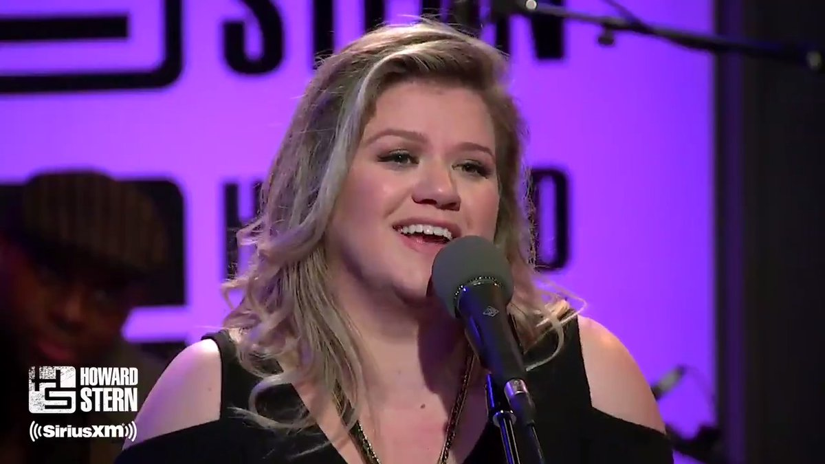 """.@AvrilLavigne co-wrote """"Breakaway"""" but then passed on recording the song – it became a #Top10 hit for @KellyClarkson and she performed it live on the #SternShow in 2017.  Hear her FULL interview today on #Sternthology:"""