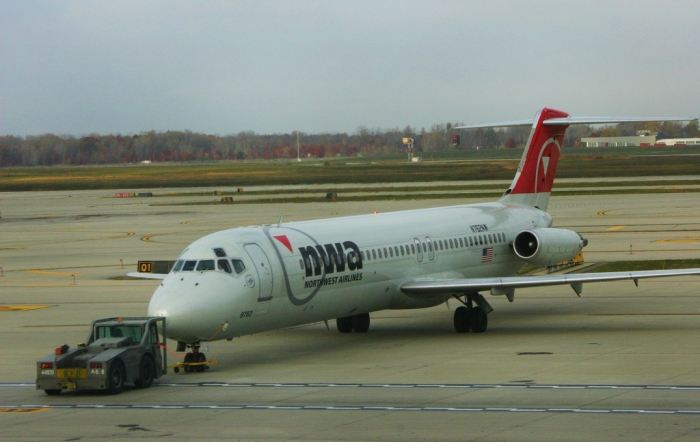 {Flight Review} Back in the air with Northwest Airlines from Detroit to Boston in First Class by @flyingaddict + Hilton Hotel.   It's here to read: https://t.co/l6qUr4MKz9  #avgeek #paxex #voyage #travel #Airbus #Boeing #Food https://t.co/EFiryJj0E7