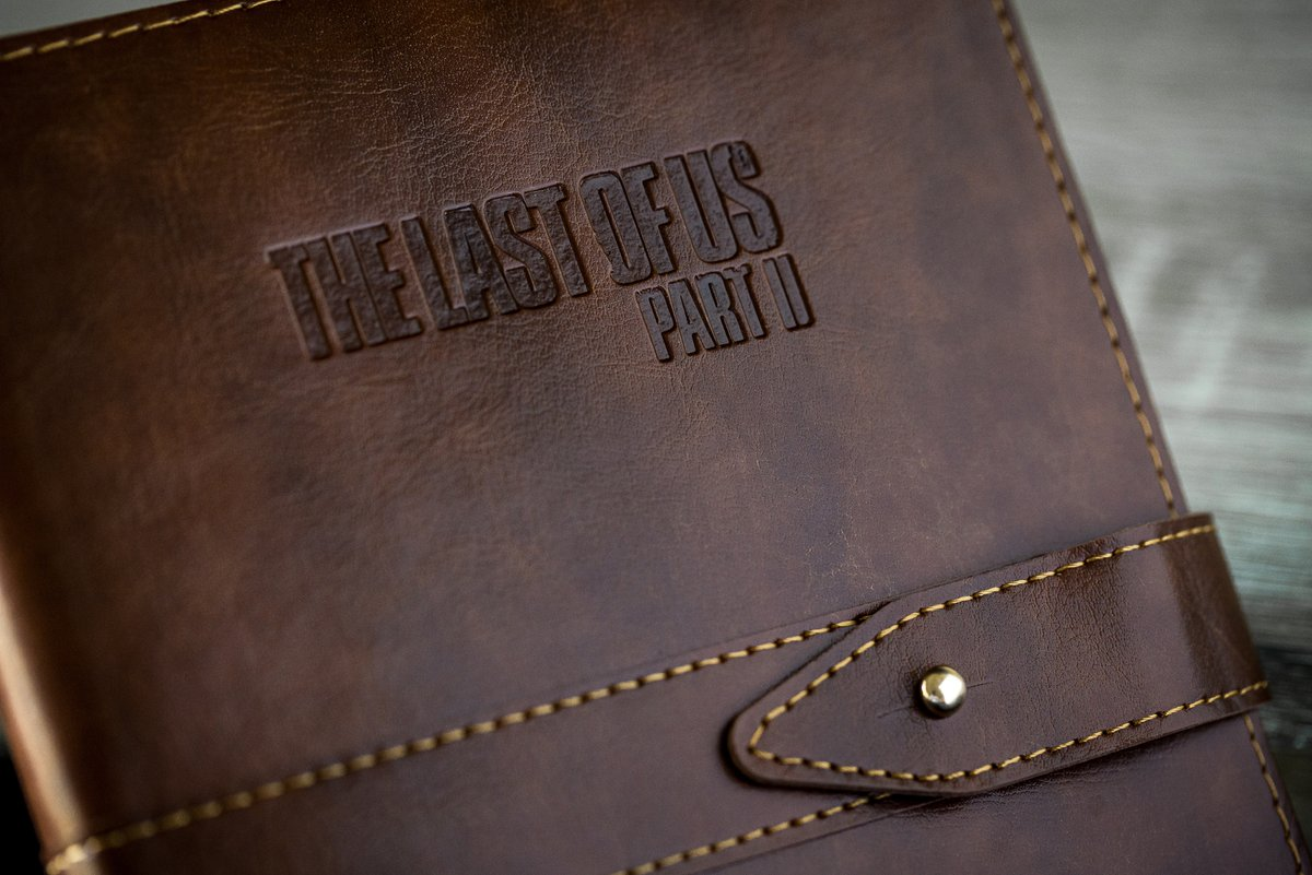 PlayStation Gear gets a noteworthy new addition: The Last of Us Part II Faux Leather Journal, now available for pre-order: https://t.co/SAVdgGMAHb https://t.co/kKL1MJN6Ag