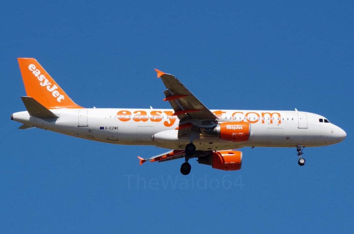#easyJet flight 8301 (EZY98HF), coming from London Gatwick, about to land on runway 01.  🗓️May 24th 2017 🛬Menorca Airport (#LEMH MAH) ✈️#Airbus #A320-214 🇬🇧G-EZWE https://t.co/GQNQmAI34G