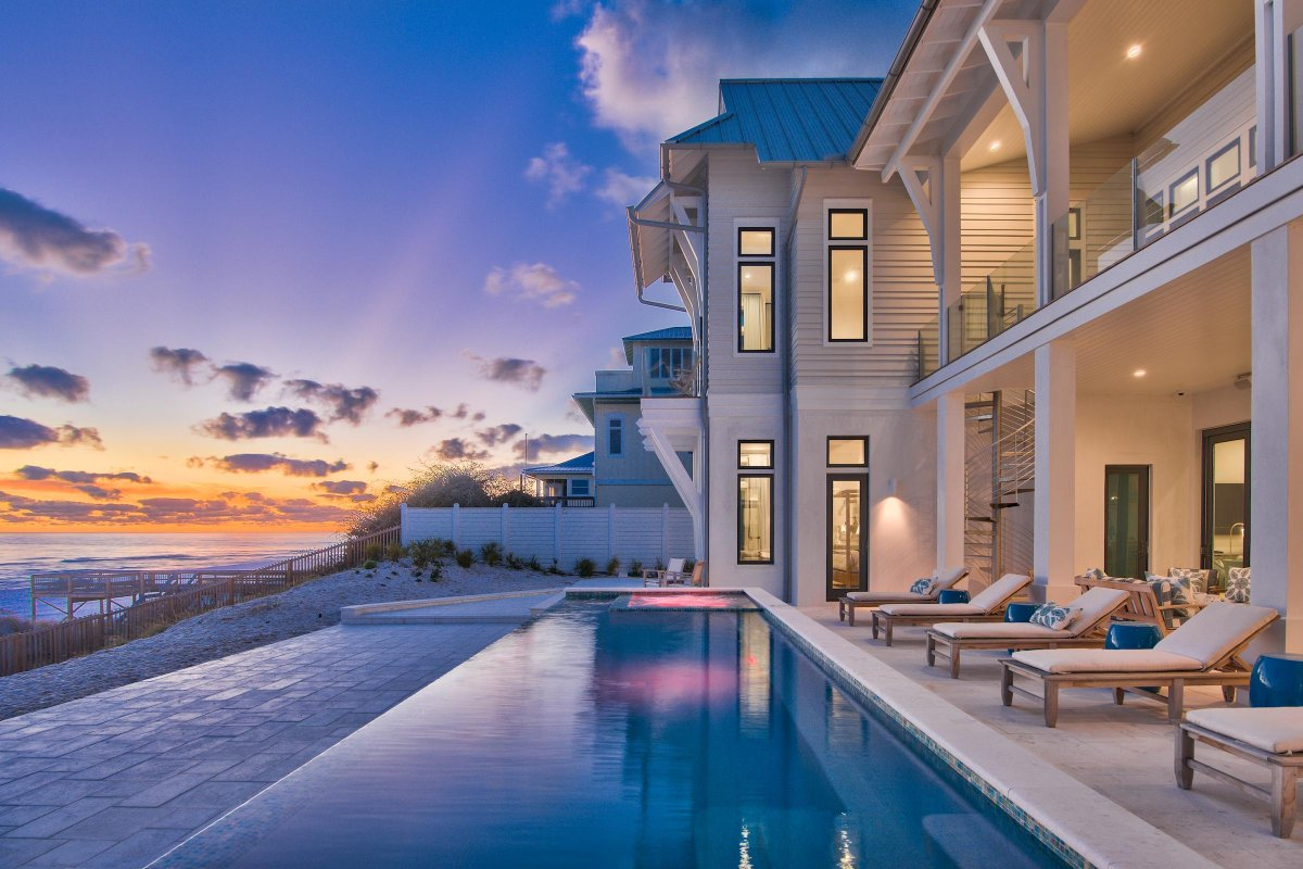 Excellent article in @VIEMagazine's upcoming luxury real estate edition featuring affiliate @GoToTheBeachFL. @Christieshomes #30A #Christieshomes #luxuryrealestate https://bit.ly/viewgotopic.twitter.com/Q6LiNuZ9vF