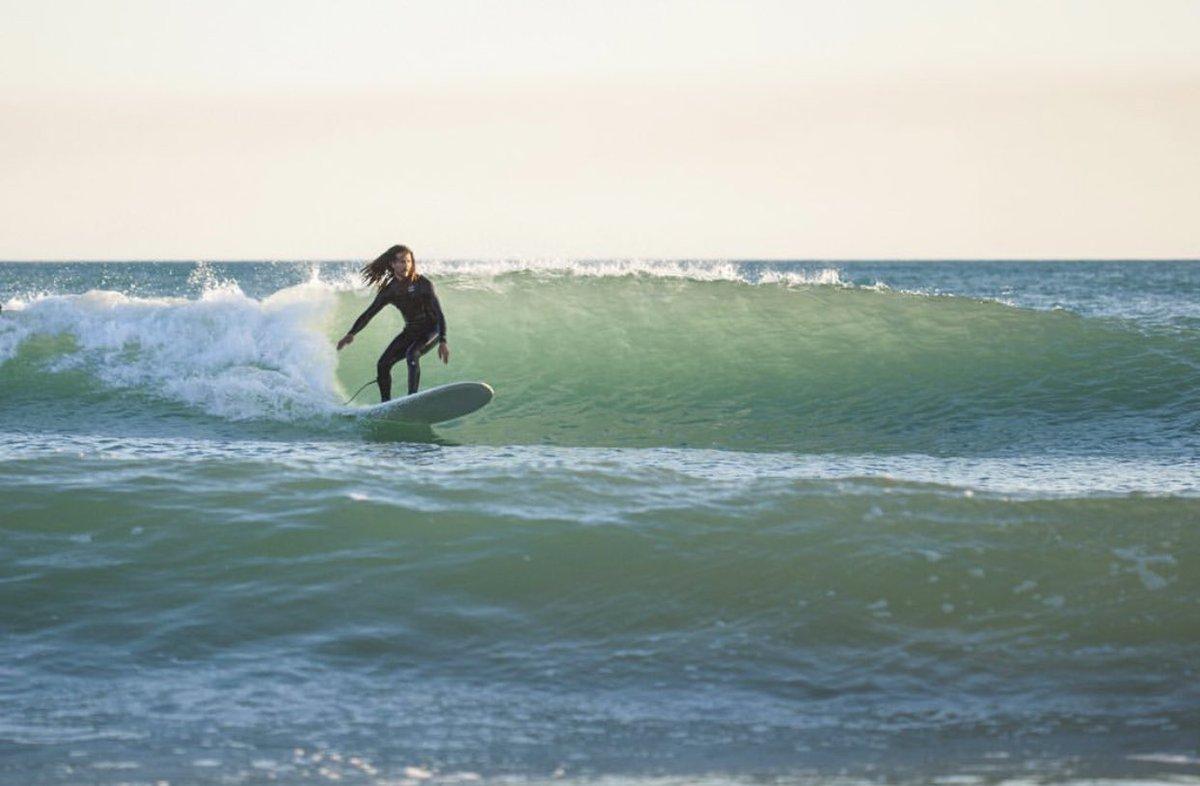 Kicking off #summer in #siciliastyle with unknown surfer .  #sanleone #theresnowavesinsicily #theboysarestoked  #surfing #surfsicily #italiansurf #southitaly #nowavesinitaly #mediterranean #adventurer #italianstyle #surfexploration #saltlife #getwet #lovesurfing #outthere #justgopic.twitter.com/HfO71bbL5L