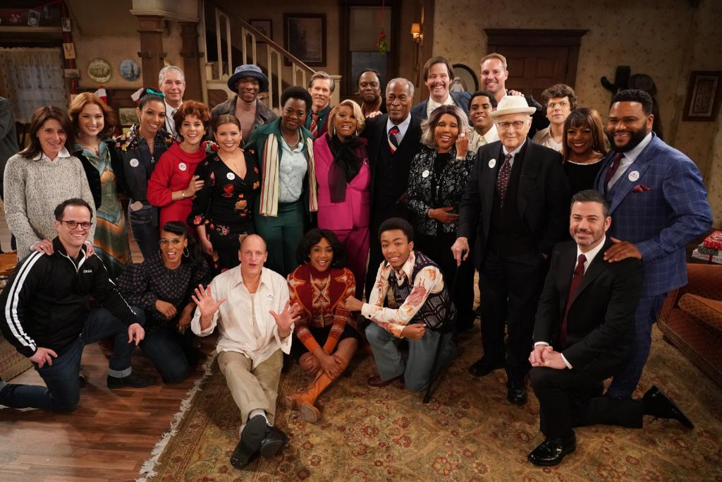 The classic sitcoms you love with a star-studded cast! Don't miss an encore presentation of #LiveInFrontOfAStudioAudience: All in the Family and Good Times tonight at 8|7c on ABC! https://t.co/PmqLn2vC1b