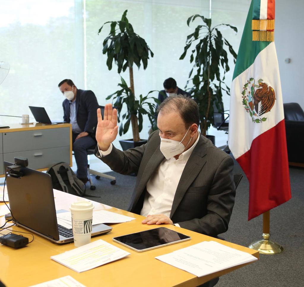 En la Asamblea Plenaria de la Conferencia Nacional de Seguridad Pública Municipal, el secretario @AlfonsoDurazo urgió la necesidad de mejorar los salarios de los policías y depurar los cuerpos de seguridad locales, ya que son el primer eslabón de la proximidad con la ciudadanía. https://t.co/lQu5kTqfhN