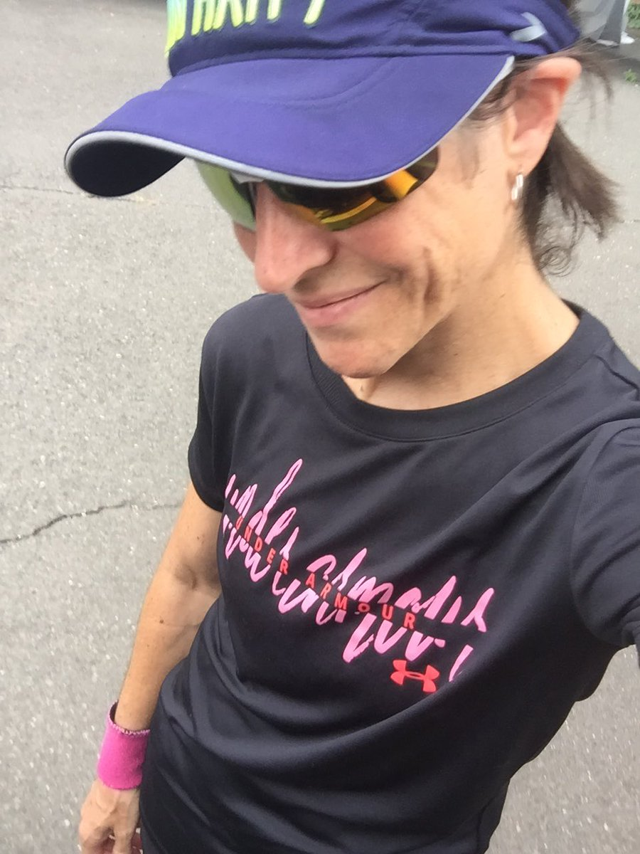 """10 mile run after work. Humid but lovely cloud cover. Nice to hear @kristine_stone back on @SXMRewind today.. standout 🎧""""Hold tight, wait till the party's over. Hold tight, we're in for nasty weather, burning down the house!"""" ~ Talking Heads. 🏃♀️👊🎧💜#run #runner #marathon https://t.co/Ug5mHvaNM8"""
