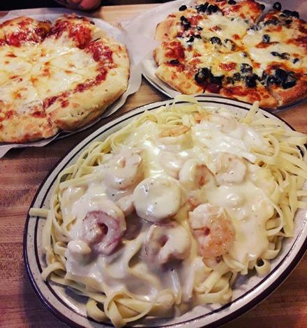 We Will, We Will, Feed You.  . . #PizzaHouse #TravelersRest #SC #LocalEats #Foodie #Pizza #Eeeats #SouthCarolina #SCEats #TravelersRestEats #foodtographypic.twitter.com/EKVJjllvVu