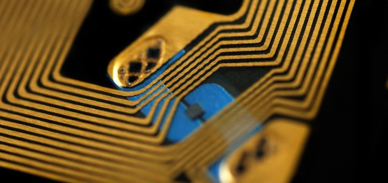 Microchips embedded in #RFID tags can track and authenticate vaccines, test kits, medical equipment and #PPE from #manufacturing to clinic sites.