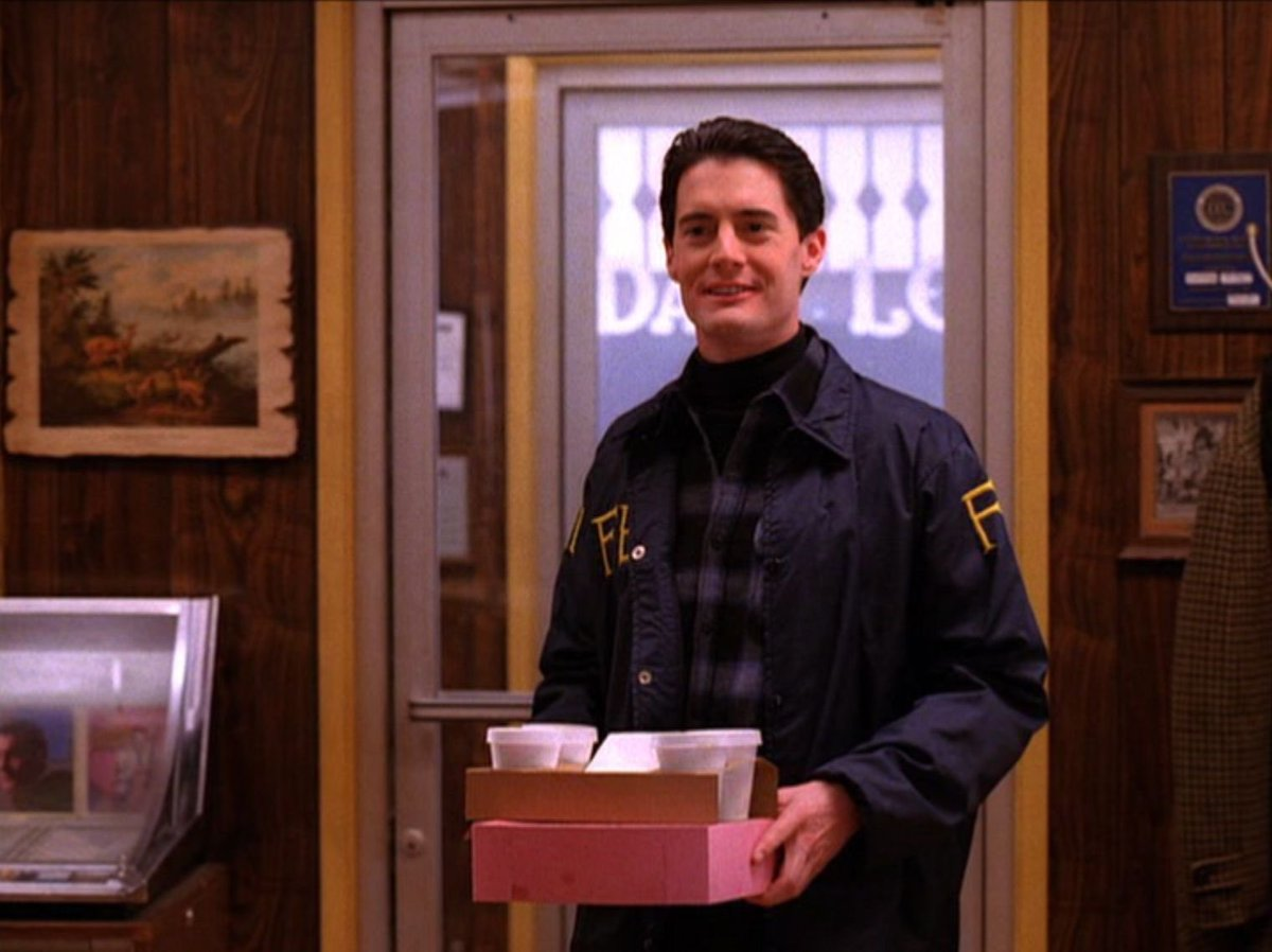Who wants coffee and donuts?  My treat.  😀Happy Tuesday, friends.  Hope you enjoyed the day.  Love and peace to all.  Hugs for those who need them.  ♥️ ✌️ #TwinPeaks #DaleCooper #damnfinecoffee #HappyTuesday