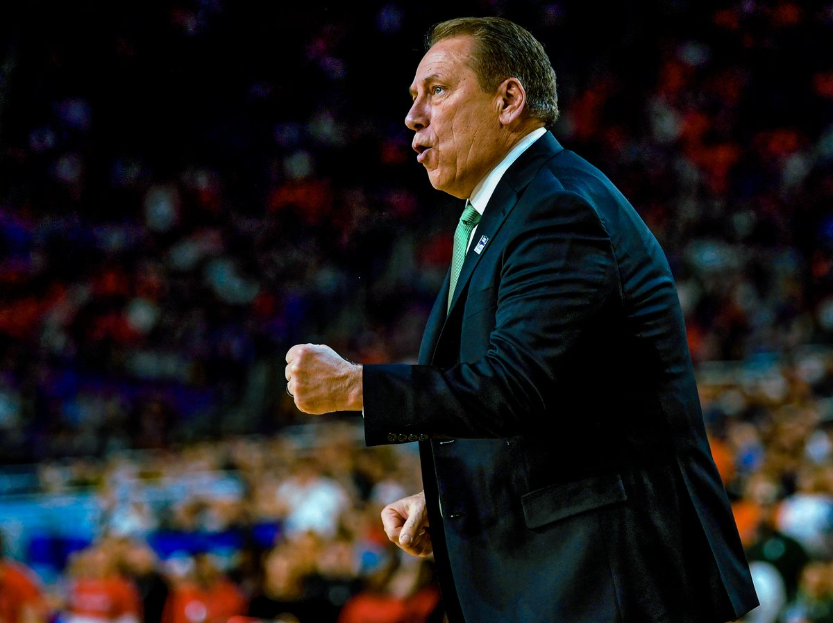 """𝗪𝗲𝗮𝗿 𝘆𝗼𝘂𝗿 𝗺𝗮𝘀𝗸𝘀 so we can get back to playing.""  -Coach Izzo on the #MM365 podcast with @TheAndyKatz 🗣️ https://t.co/SdWilackcJ"