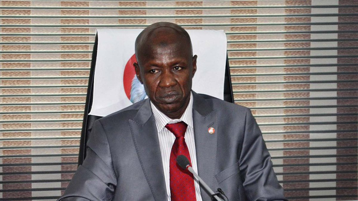 #NewsFlash: Ibrahim Magu returned to Area 10 after  questioning by panel.  #EFCCMagu #MaguMalami #MaguBoss https://t.co/WNWdqMA5qQ