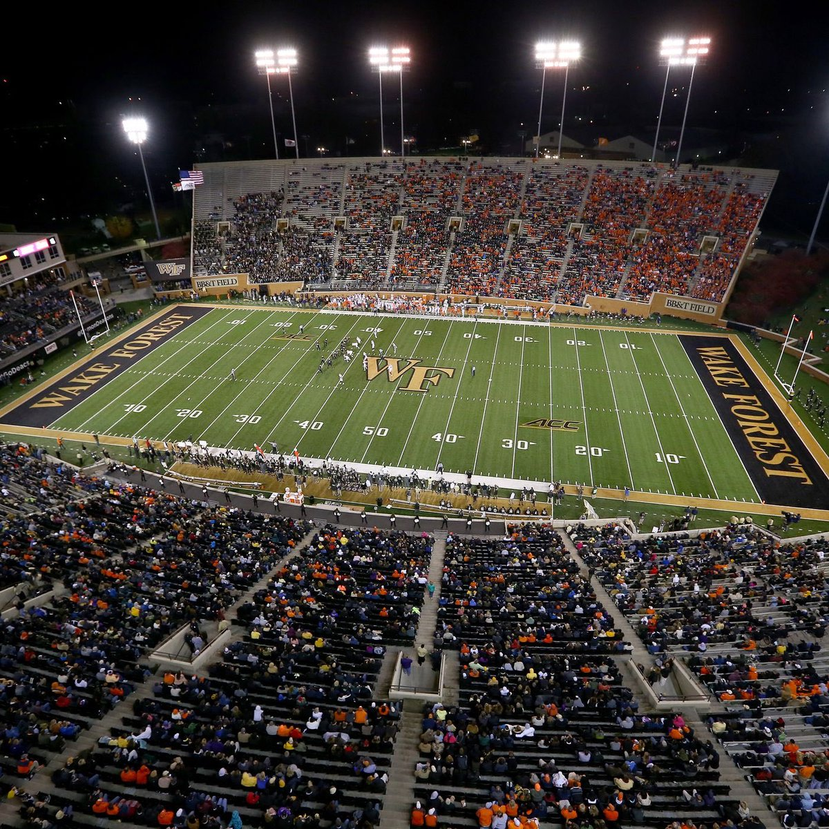 Thankful to get an offer from Wake Forest University!! @CoachClawson @philipcj65 @coachkatzbhs @Mansell247 @ChadSimmons_ https://t.co/n5SF5LC2fo