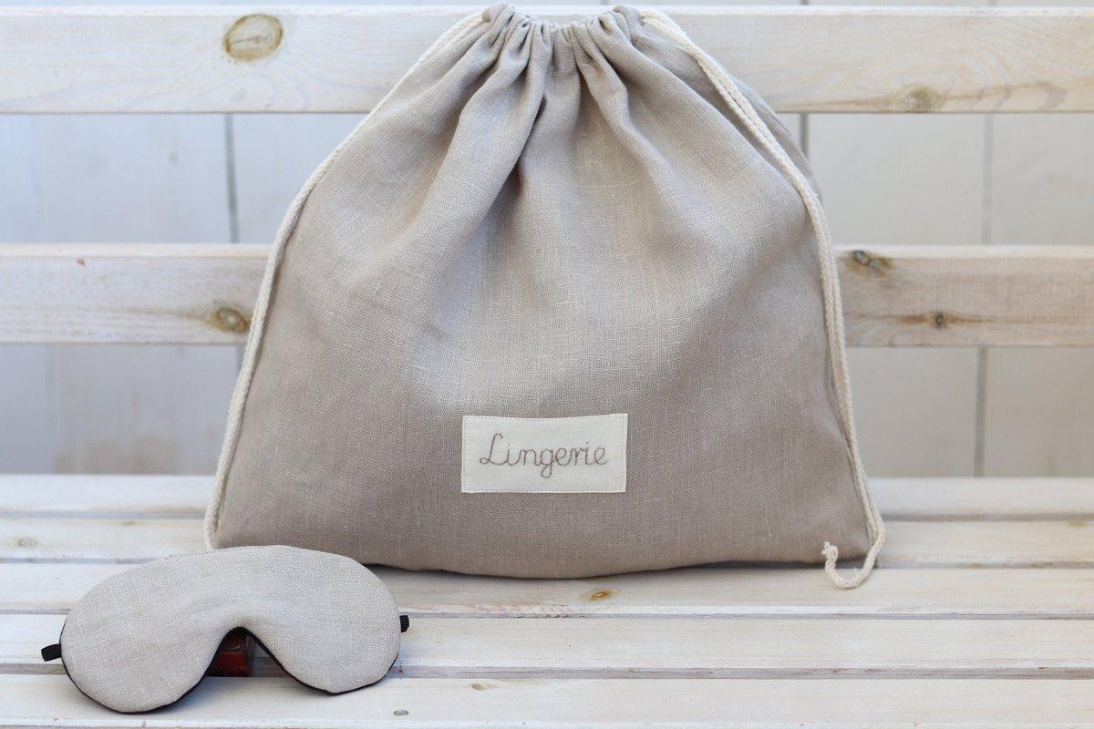 Birthday gift for her, travel linen lingerie bag with name and adjustable sleeping eye mask https://etsy.me/2CbRKd2 #beige #bridalshower #valentinesday #drawstringpouch #lingerietravelbag #laundrytravelbag #bridalshowergift #giftforbride #honeymoongiftpic.twitter.com/137lxF1Yz0