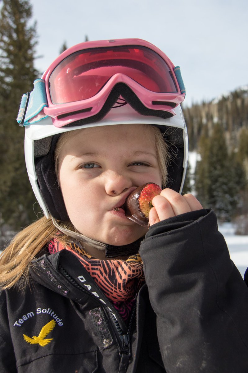 #NationalChocolateDay is best served with a side of fresh snow. A few sweet moments to look forward to in winter 20/21: @SolitudeMTN's Chocolate Lovers Festival, @Sugarbush_VT's Waffle Cabin, fireside dessert at @Deer_Valley, and cups of @HuskiChocolate on @junemountain's deck. https://t.co/62FmhsNSgl