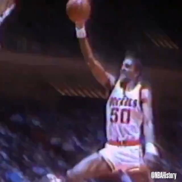 We look back at Ralph Sampson's career to celebrate his 60th birthday! #NBABDAY https://t.co/Z7iXmS87GY