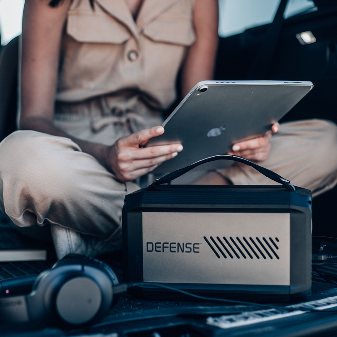 Working remotely? Stay powered with Defense Titan portable power station 🔋 https://t.co/mrPFrDLTWD #DefenseTitan https://t.co/VSWJrlqD9e