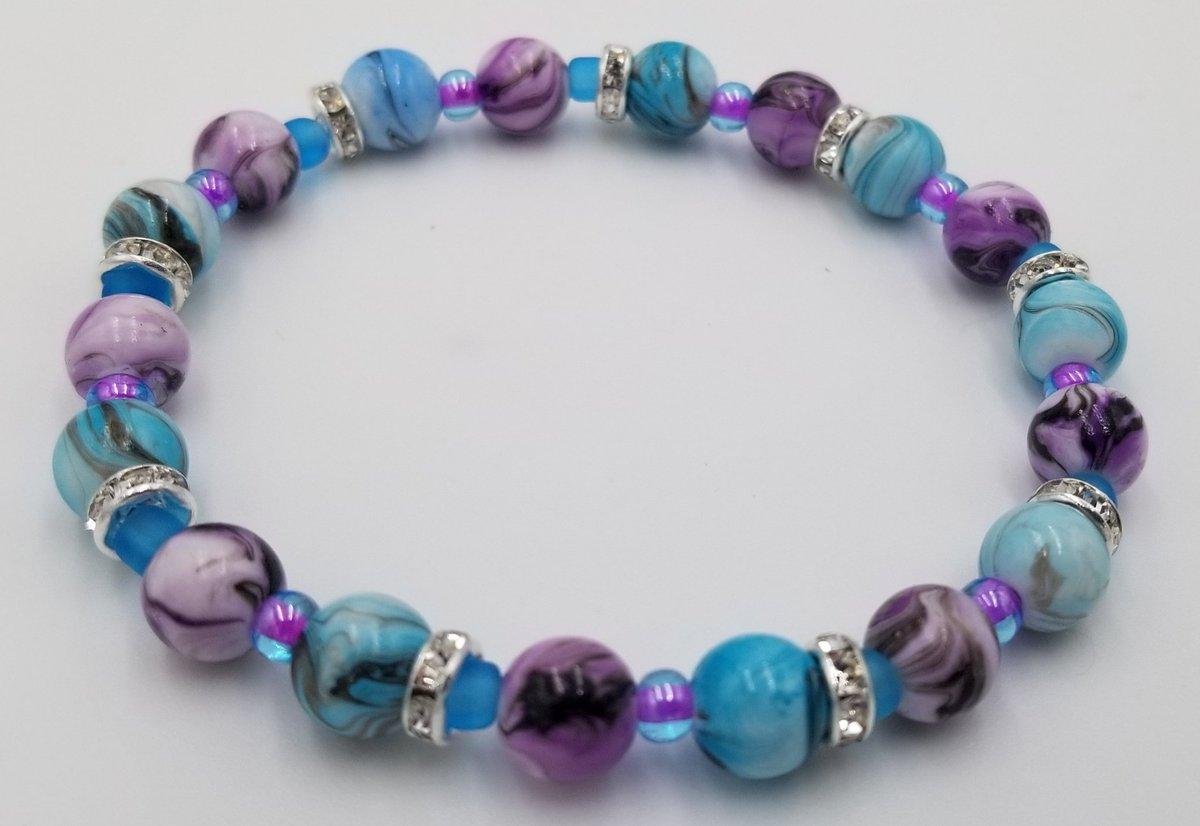 #diy #bracelet #cateyebeads #glassbeads #jewelry #stretchcord #clear #homemade #crafty #crafting #cateye #beads #braceletmaking #jewelrylover #jewelrymaking #jewelryoftheday #jewelryofinstagram #diyjewelry #diyjewelrymaking #fashion #accessories #bling #love #jewelrymaker