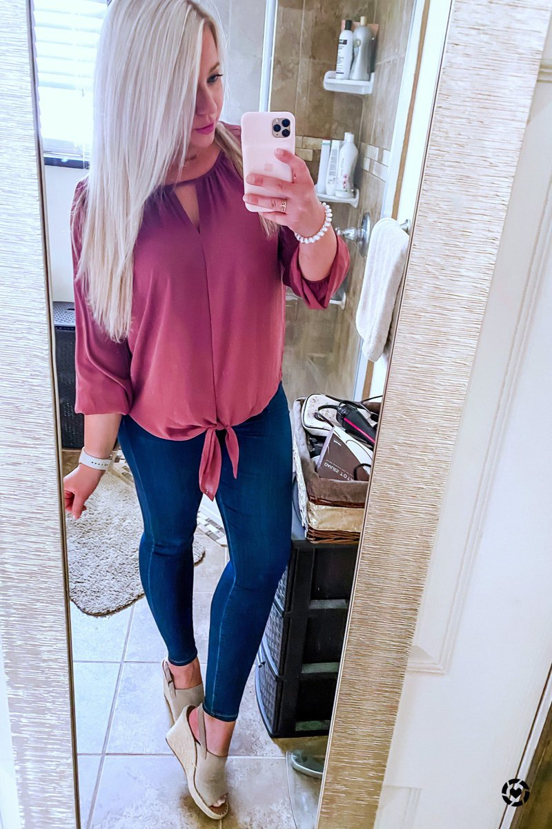 My favorite @TOMS are wedges! I am so in love with these shoes— especially with jeans! I paired them with this new blouse from @stitchfix! All outfit pieces available right now too! Shop my daily looks by following me on LTK shopping app. http://liketk.it/2RSTb #liketkit #OOTDpic.twitter.com/Hxa4nBm1Ly