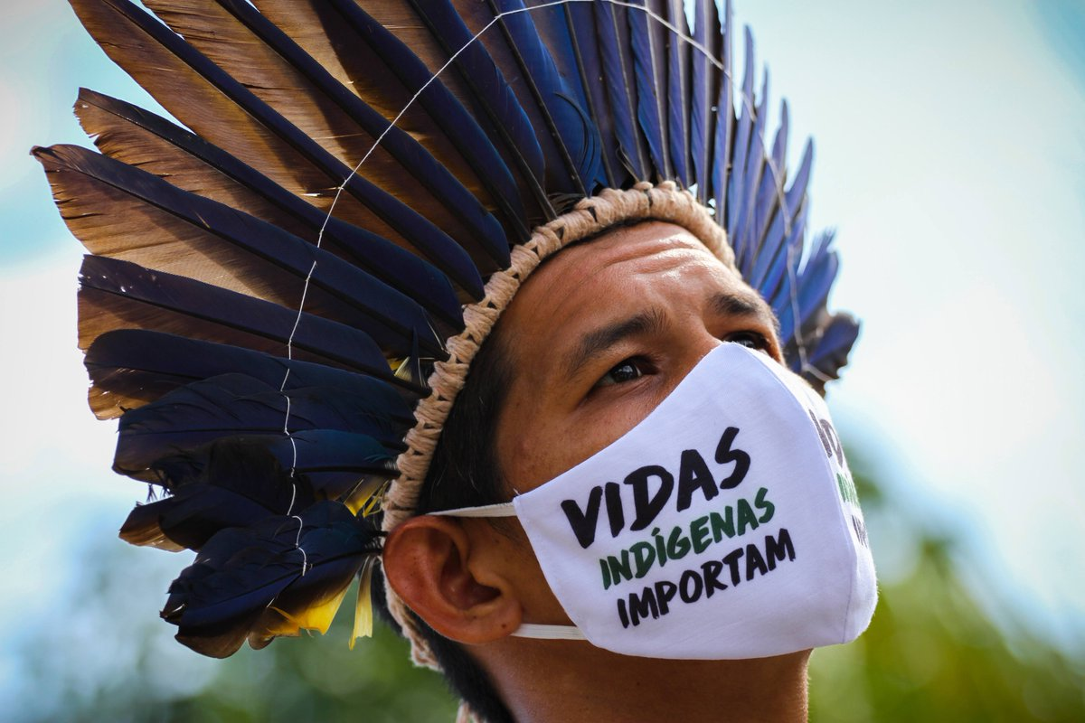 Congress approved #PL1142 over 13 days ago & #Bolsonaro has just ignored it. #PL1142 would help provide resources for indigenous, quilombolas & other traditional peoples & communities, during the pandemic. Is cruelty the point @jairbolsonaro? This is ethnocide. 📸 Lucas Silva