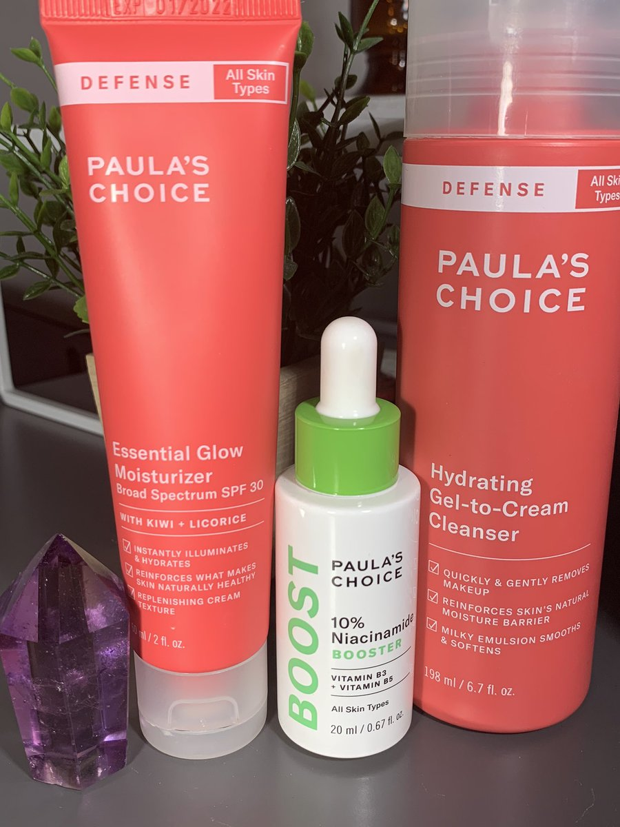 My morning routine gives me SUCH a nice smooth glow for the entire day. The Niacinamide especially is good at shrinking pores and giving more of an even texture.  For more details, check out my FULL #skincare routine here: https://thatcho.com/developing-a-successful-skincare-routine-why-my-choice-is-paulas-choice/…pic.twitter.com/WDYKM5vraM
