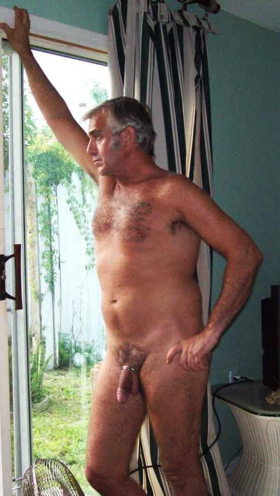 Older Nude Daddies